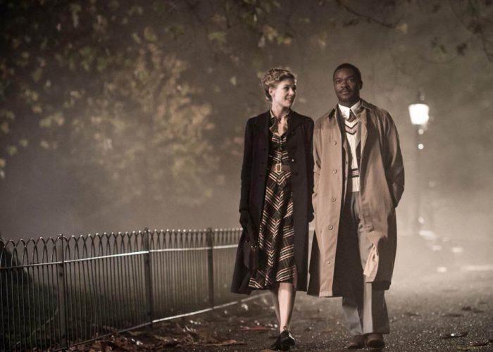 A United Kingdom : David Oyelowo en impose dans son costume de roi